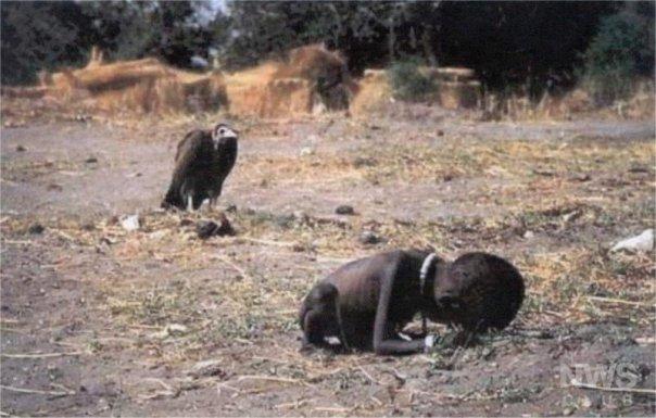 El ganador de un premio pulitzer por causa de esta foto en 1993, SE SUICIDÓ.
